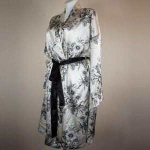 Midnight Velvet Intimates & Sleepwear - Midnight Velvet Genevieve Robe and Night Gown Set